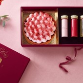 Sometime.. we are also in a creative & romantic mood. Have a look on Valentine Day Box of @lestartesdefrancoise .. that is SO lovely. You can order it on : https://www.tartes.be/tartes/saint-valentin-2020.html#tartefrancoise #tartesfrancoise #valentineday #saintvalentin #loveyou #packaging #packagingdesign